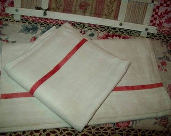 2 big old linen towels