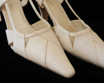 "Women's Leather Slingback Shoes, Bone Color - 9M - Vintage ""BAND O LINO"" Shoes - Never Worn"