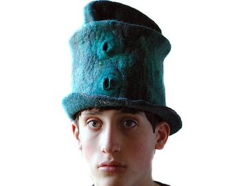 Hogwarts Wizard Hat in Slytherin House Colors Emerald Green Tophat Unique Small-Size Felted Hat for Draco Malfoy Fan LARP Cosplay Hat