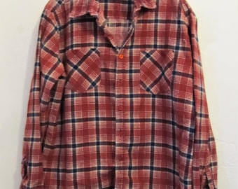 A Men's Vintage 70's,AWESOME Thin Red STONER Plaid FLANNEL Shirt By Townsley.L