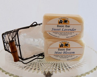 Soap gift in wire basket, Vegan soap gift set, Holiday Soap Gift Basket, Teacher Gift, Thank You Gift