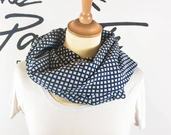 White Snood blue graphic print scarf