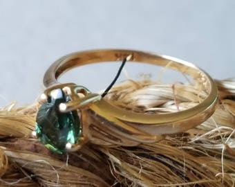 14K Yellow Gold Ring with Earthy Green Stone (st - 2078)