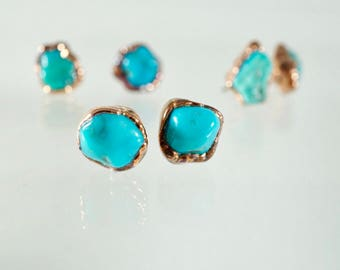 Turquoise Copper Earrings / Turquoise Stud Earrings / Stud Earrings / Raw Stone Earrings / Copper Earrings / Mineral Jewelry / Healing Cryst