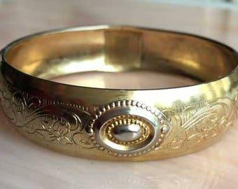 Unusual Design, Etched Gold tone, Bangle Bracelet