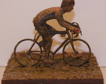 Sean Kelly in the Mud at the 1984 Paris-Roubaix Hand-Painted Figure