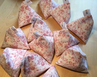 Pretty pink cotton floral pattern weights in sets of 6 or 12