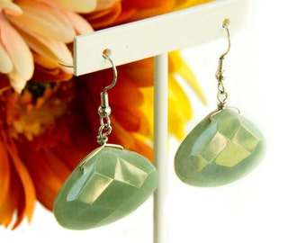 Pleasing Green Faceted Chalzedony Earrings