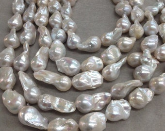 Cultured Freshwater pearls Baroque  14-16mm