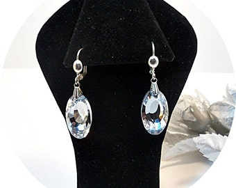 Clear Dangle Earrings, Bridal Accessories, Bridesmaid Earrings, Bridesmaid Gift, Sparkly Earrings, Dressy, Mother of Bride, Mother of Groom