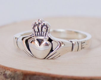 Sterling Silver Claddagh Ring in multiple sizes