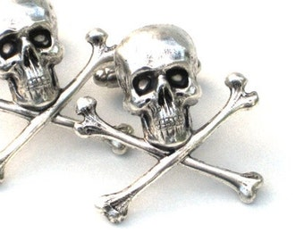 Steampunk - Pirate SKULL and CROSSBONES - Men's Cufflinks - Antique Silver - By GlazedBlackCherry
