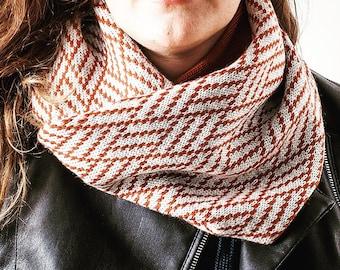 Scarf 100% Italian wool. Infinity scarf. Gift for him. Valentine's day. Unisex. Winter. Woollo handmade. White and orange