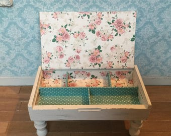 1:6 shabby chic table for blythe barbie or other 12 inch dolls