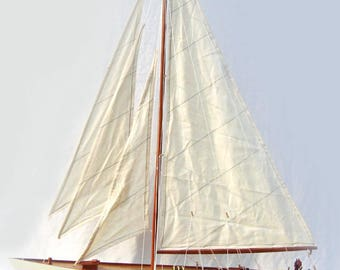 "Hand-crafted Shamrock Sailing Boat 32"""