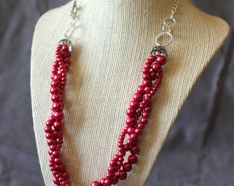 Deep Red Elegant Braided Pearl Necklace