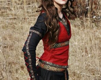 "Medieval Ren Vest ""Lady Hunter""; red vest; medieval bodice; ren bodice"