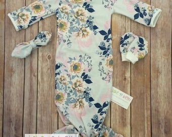 Baby girl knotted gown, tie headband, and no scratch mittens, newborn set -  pale gray floral
