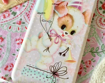 Kitsch and cute vintage inspired phone case for Iphone and Samsung Party Pup design