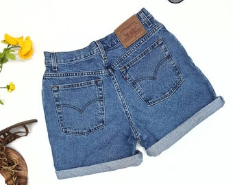 "Levis Vintage shorts w28"",90s vintage,Highwaisted shorts,mom jean shorts"