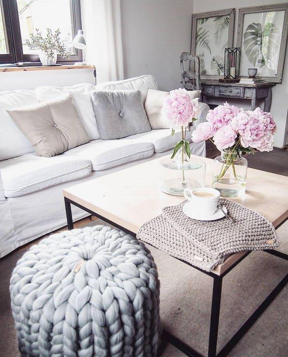 chunky knitted pouf knitted pouffe knitted pouf ottoman. Black Bedroom Furniture Sets. Home Design Ideas