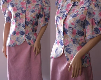 CLEARANCE - Cute 80's Floral Blouse