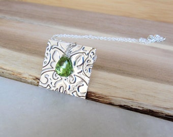 Sterling Silver Square Plate Necklace, Peridot Birthstone Necklace, August Birthstone, Custom Plate Necklace, Wire Wrapped Peridot, Textured
