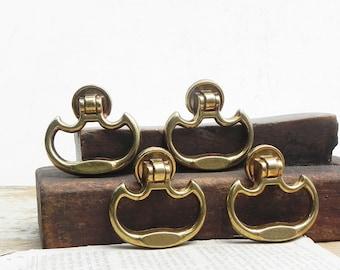 6 vintage drawer cabinet dresser knobs pulls handles Vintage Hardware