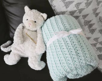 Crochet Blanket Throw // Baby Blanket // Pastel Green // Gifts for Women