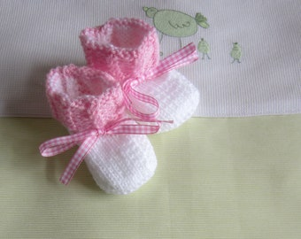 """""""White and pink"""" baby booties size newborn - hand made knit"""