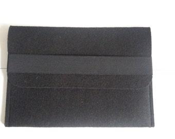 Shelves black felt pouch