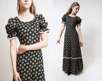Black 70s Cotton maxi dress / Gunne Sax style Country Western Southern Belle Housewife Prairie ditsy Floral print dress/ size Extra Small XS