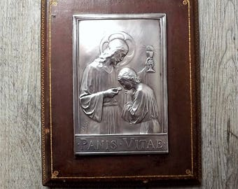 French communion plaque - Panis Vitae, I am the bread of life, in leather and silver plate, signed A Salés