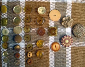 Honey Beige Tone Vintage Plastic Buttons, set of 32