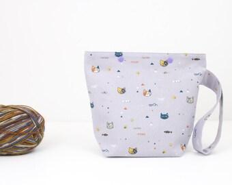 Chat à tricoter sac, sac projet petite chaussette avec des boutons pressions, un organisateur de crochet chat pelote
