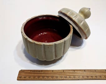 Stoneware pot with matching lid