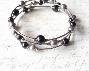 Black and silver grey pearls memory wire bracelet