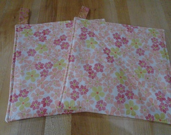 Floral Hot Pads,Hot Pad,Hot Pads,Flowers,Pink Pot Holders,Pot Holders,Peach Pot Holder, Country Kitchen