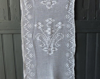 Hand made, vintage french, crocheted curtain with a bouquet of flowers