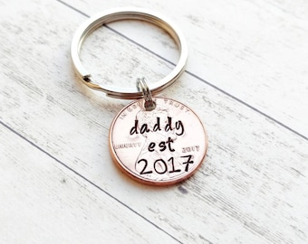 Daddy Hand Stamped Penny Keychain, hand stamped 2018, personalized keychain, personalized penny, new dad, new baby, baby announcement