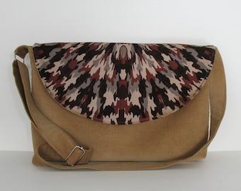Women  Messenger bag  Shoulder bag Handmade cross body purse  in tan Travel purse Side bag Corduroy messenger bag Teacher bag work bag