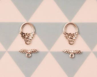 Set of 2 silver plated flower toggle clasps