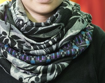 Infinity scarf stripes flower with purple pattern