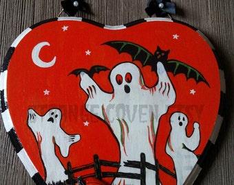 Hand Painted Retro Halloween Wood Plaque Heart Wall Hanging OOAK--Glows in the dark! Ghosts - Bats - Pumpkins - Folk Art