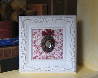 Frame Locket cameo decoration and sophisticated chic jewelry