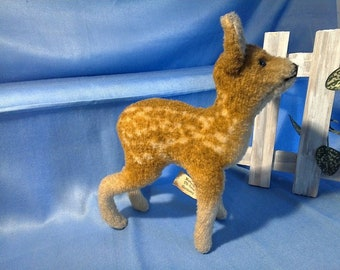 Vintage Steiff Deer, wool plush, 17 cm, US-Zone Flag, used condition