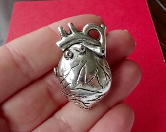 1 Human Heart Charm 36x25x14.7mm