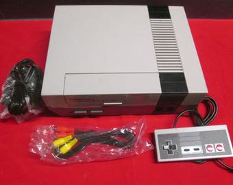 Nintendo NES Video Game Console  - RETRO GAMING