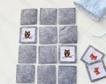 Card game in felt with storage bag / memory