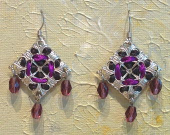 Handmade Diamond-shaped Ribbon and Filigree Earrings with Glass Beads